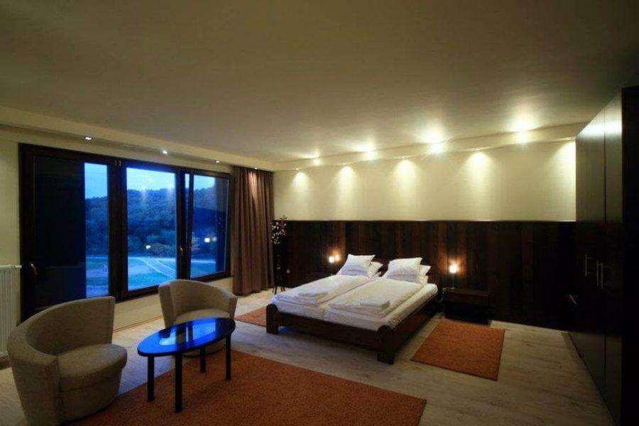 egyedi-nyilaszaro-hotel-14
